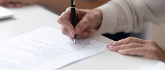 17989-signing document